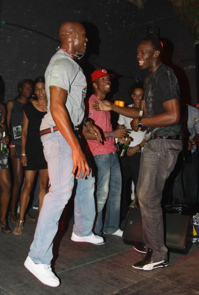Can I have this dance, Asafa?